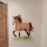 koń na ścianie