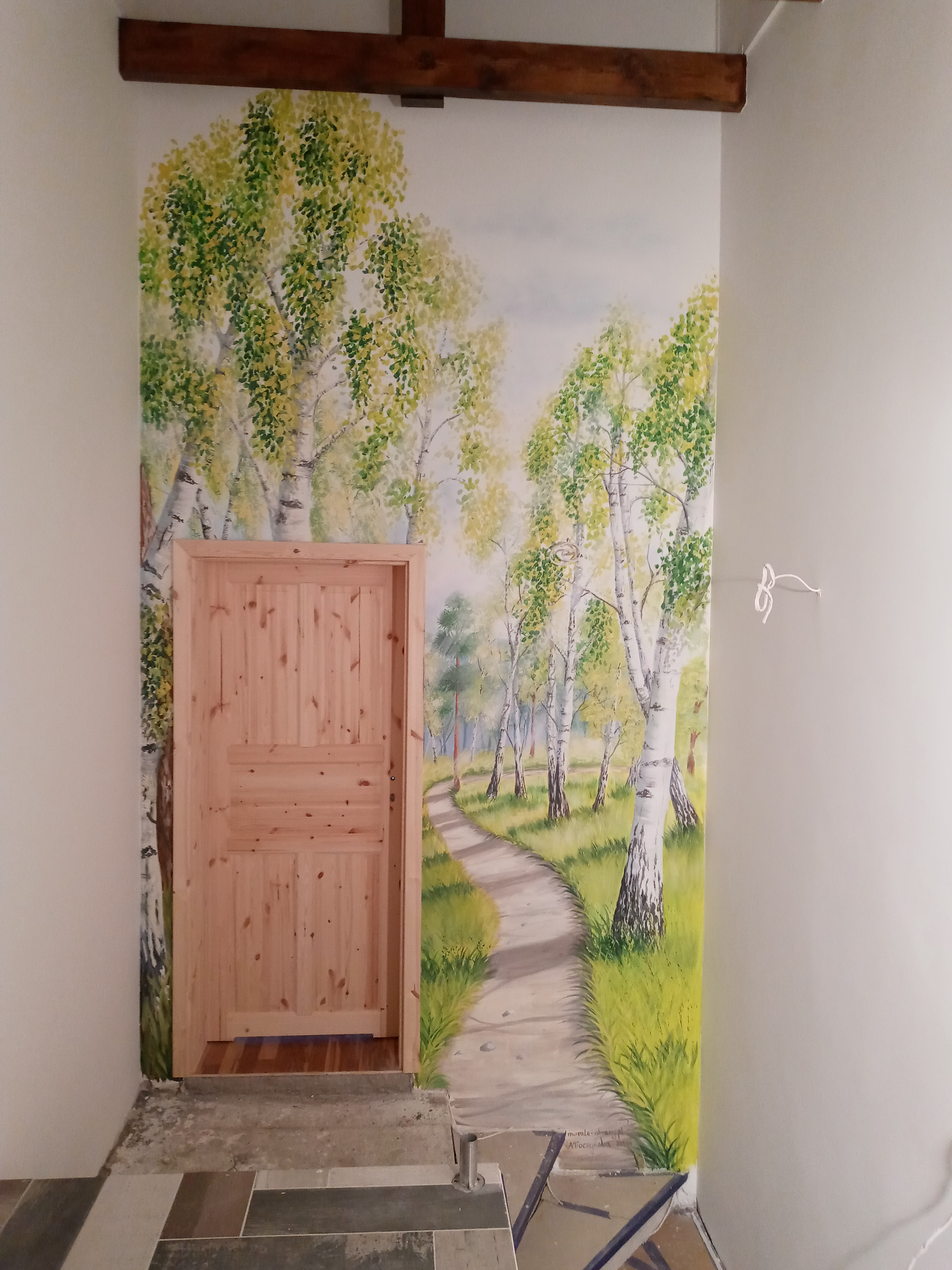 mural z brzozami